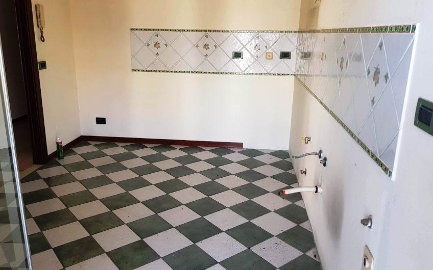 Ausonia/Briuccia comodo 5 vani con ampi balconi