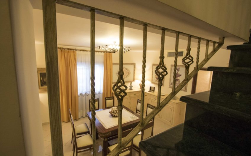 Altarello di Giarre elegante villa accorpata 1421