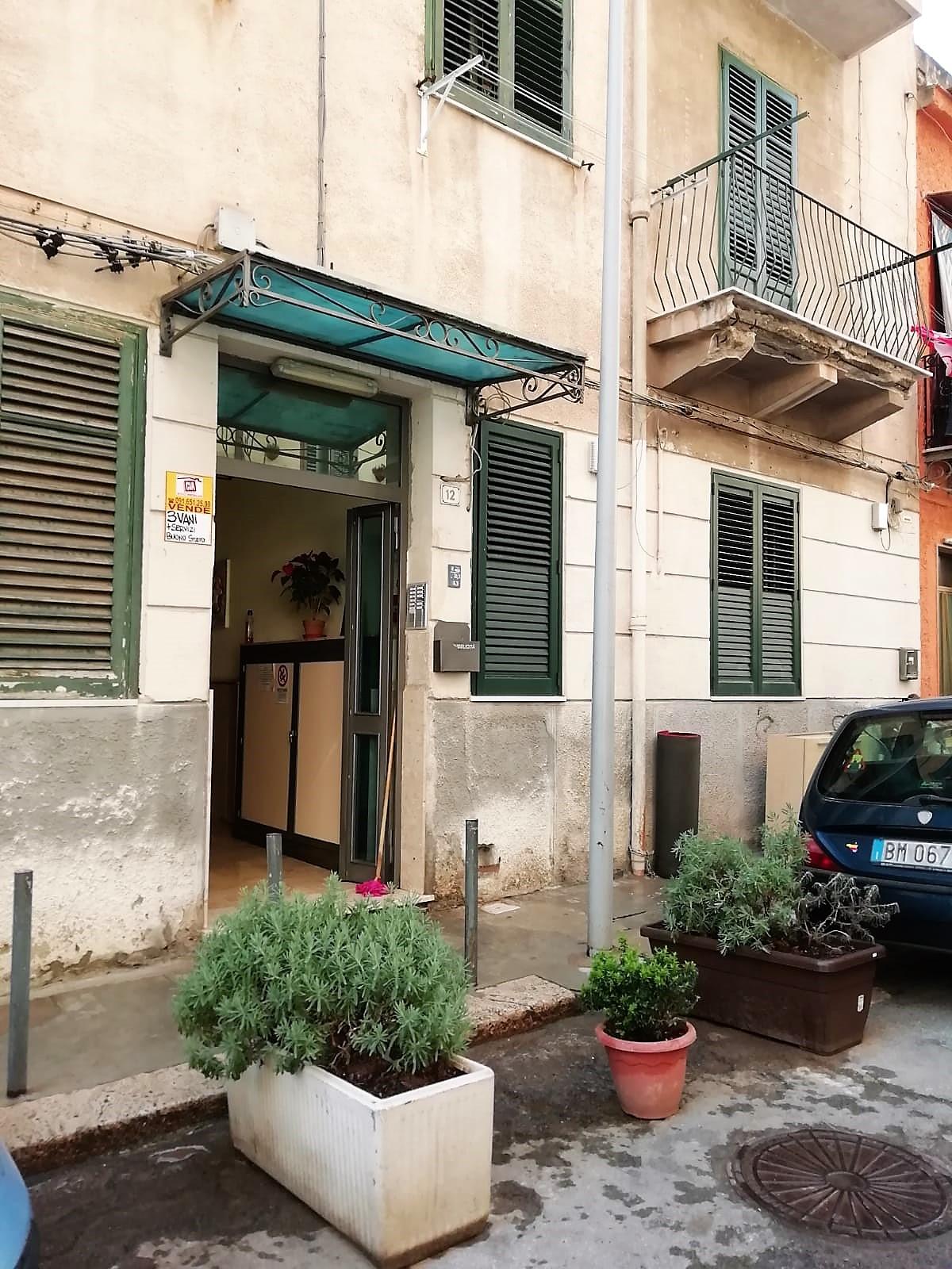 Comodo 3 vani – Pressi Piazza Camporeale