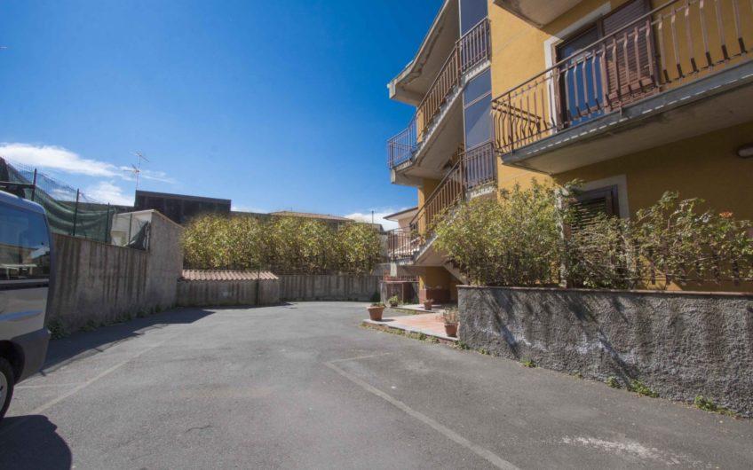 Affare.. Casa 3 Vani e Mezzo+Garage+Posto Auto € 110.000  1454
